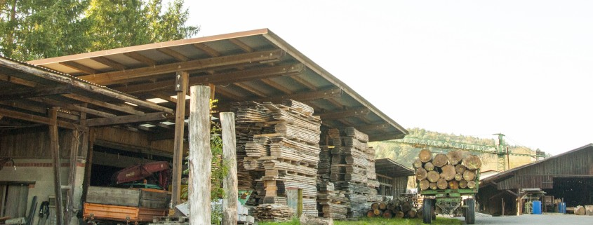 Holz-Halle Lager